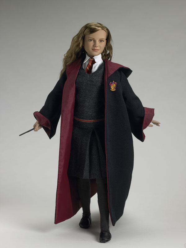 Hermione Granger Hogwarts Uniform Hermione Granger at Hogwarts